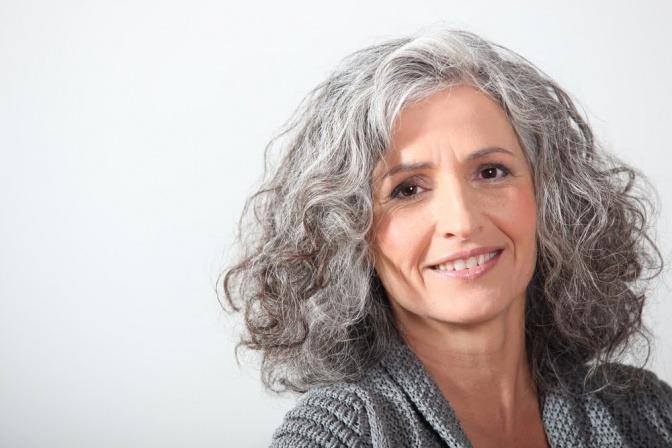 Graue kurzhaarschnitt haare frauen Lange Haare