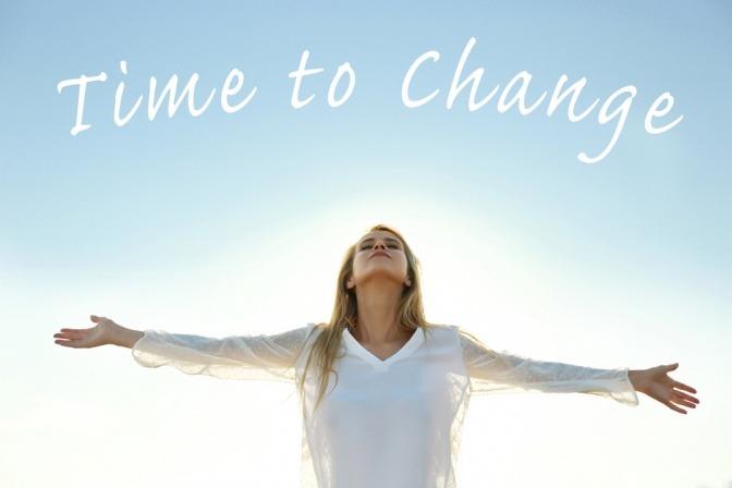 Frau mit Schrift Time to change