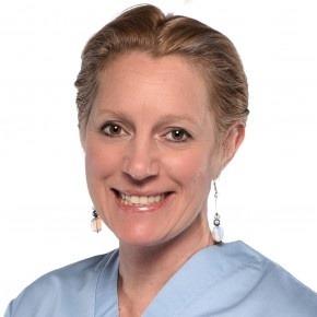 Dr.med.dent Zsófia Vigváry ist Zahnexpertin für Veneers und Zahnersatz.