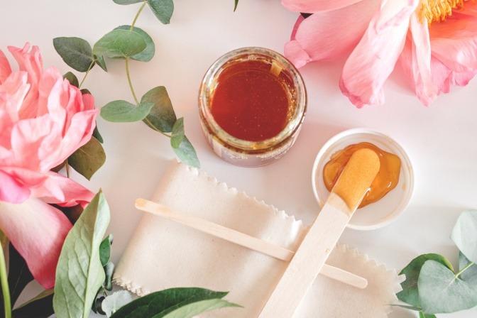 Zuckerpaste für Haarentfernung mit Sugaring
