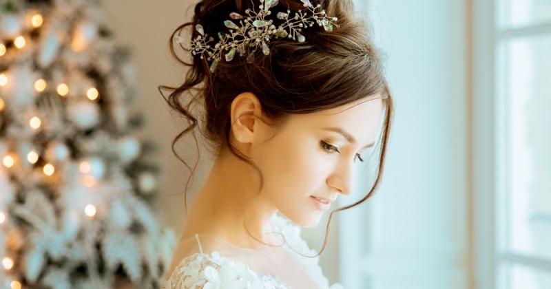 Brautfrisuren mit diadem hochgesteckt