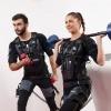 Ein Mann und eine Frau machen EMS Training