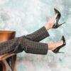 Anders als landläufige Meinungen vertreten, verursachen High Heels keine Krampfadern.