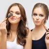Zwei Frauengesichter, die sich gerade ein Contouring und Highlighting ins Gesicht geschminkt haben