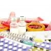 Verhütungsmittel wie Pille, Kondon, Spritze,... liegen nebeneinander