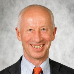Ayurvedaarzt Dr. Wolfgang Schachinger