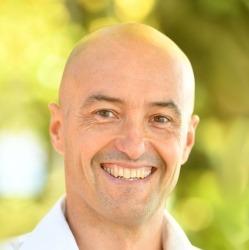 Michael König-Breuss, Gründer der Gsundsi-Akademie